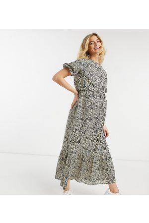ASOS ASOS DESIGN Maternity – Leopardmönstrad midiklänning med peplumfåll och två lager för amning-Flerfärgade