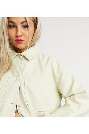 COLLUSION – Gräddvit skjortjacka i läderimitation