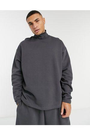 ASOS – Kraftig sweatshirt i oversize med ribbad halvpolokrage med broderi