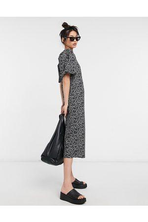 Vila – Småblommig midiklänning med puffärmar-Multi