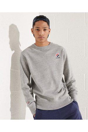 Superdry Man Sweatshirts - Sportstyle Essential rundhalsad sweatshirt