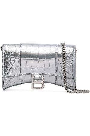 Balenciaga Kvinna Plånböcker - Hourglass crocodile-effect chain wallet