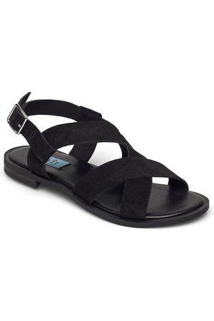 A Pair Plain Sandal Round Shoes Summer Shoes Flat Sandals