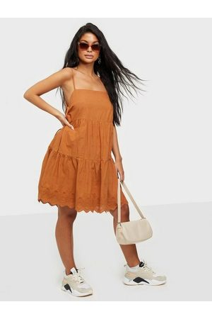 Noisy May Nmjackie S/L Short Dress Loose fit dresses Sugar Almond