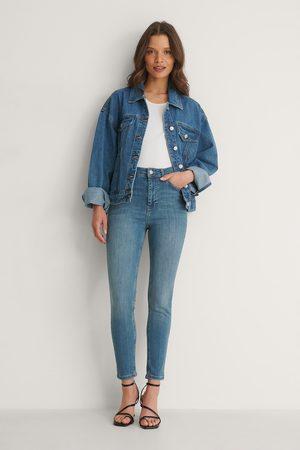 NA-KD Ekologiska Skinny Petite Jeans Med Hög Midja