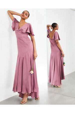ASOS – Rosa maxiklänning i satin med utsvängda ärmar