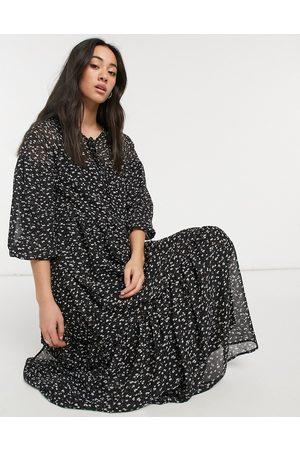 Vero Moda – Svart panelsydd maxiklänning med småblommigt mönster-Olika färger