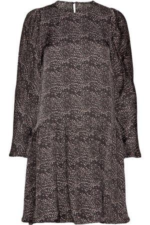 Bruuns Bazaar Kvinna Midiklänningar - Becca Chain Dress Knälång Klänning