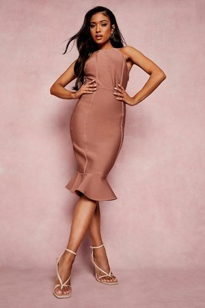 Boohoo Kvinna Fodralklänningar - Petite Bandage Halter Bodycon Midi Dress, Brown