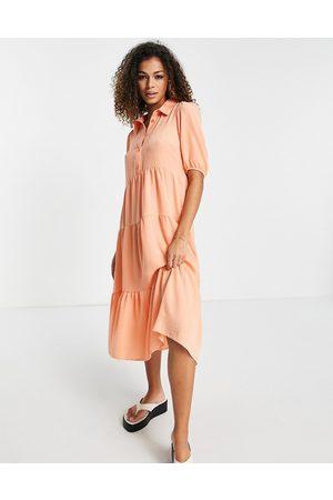 New Look – Korallröd midiklänning med panelsydd nederkant-Pink