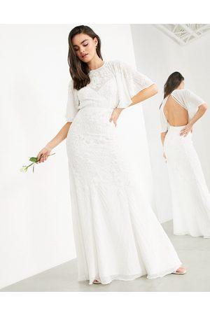 ASOS – Gabriella – Bröllopsklänning med brodyr och utsvängda armar-Vita