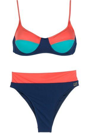 Brigitte Trefärgad bikini med hög midja