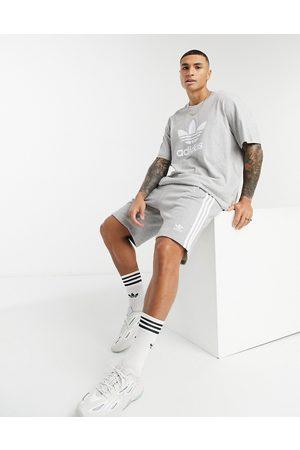 adidas – adicolor – shorts med tre ränder