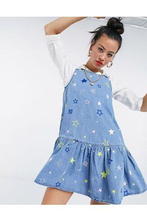 Love Moschino – stjärnmönstrad smockklänning i denim