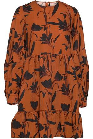 Mother of Pearl Kvinna Mönstrade klänningar - Effie Botanical Rust Printed Dress Knälång Klänning
