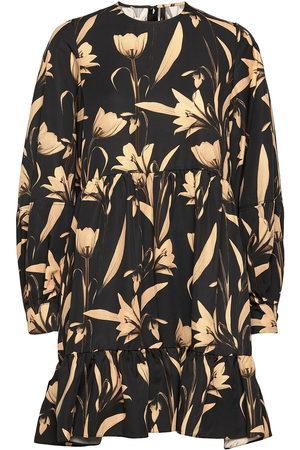 MOTHER OF PEARL Effie Botanical Black Printed Dress Knälång Klänning