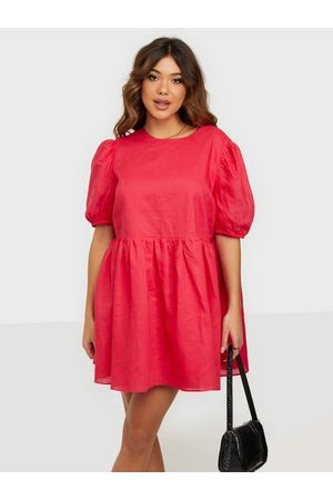 Glamorous Kvinna Klänningar - Puff Sleeve Mini Dress Loose fit dresses