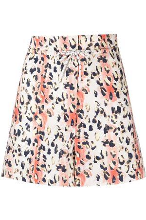 REMAIN Kvinna Shorts - Leopardmönstrade shorts