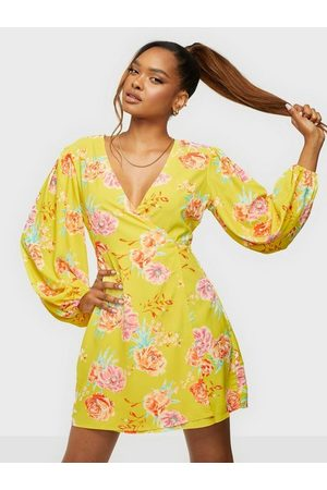 Glamorous Nelly x Balloon Sleeve Dress Klänning Lime Print