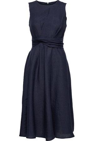 Andiata Leana Dress Knälång Klänning