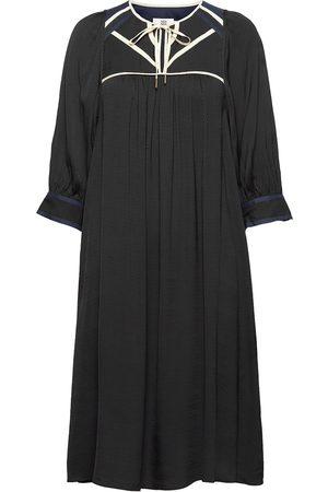 Noa Noa Dress Long Sleeve Knälång Klänning
