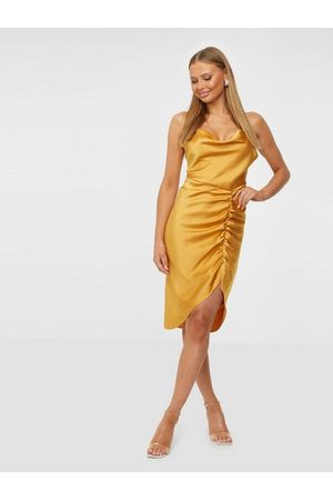 Samsøe Samsøe Kvinna Fodralklänningar - Dapples dress 12956 Fodralklänningar Gold