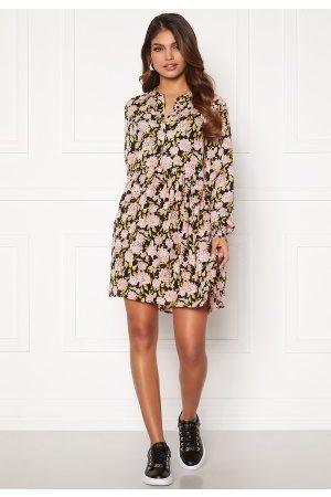 JACQUELINE DE YONG Kvinna Festklänningar - Carmen L/S Short Dress Black, aop:Flowers 34