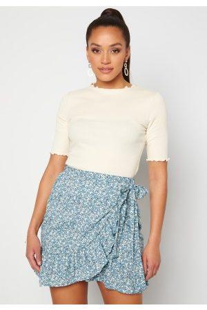 ONLY Olivia Wrap Skirt Dusk Blue/ Flower L