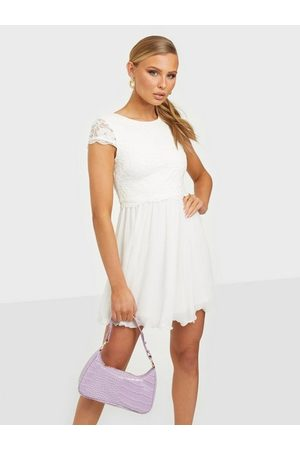 NLY Eve Kvinna Festklänningar - My Favorite Lace Dress Vita klänningar