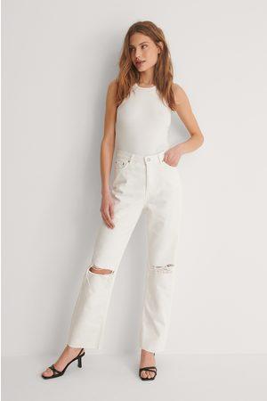 NA-KD Ekologiska Raka Jeans Med Hög Midja Och Slitningar