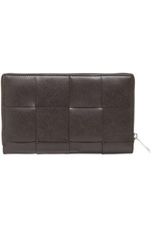 Bottega Veneta Man Plånböcker - Maxi Intreccio Leather Zip Around Wallet