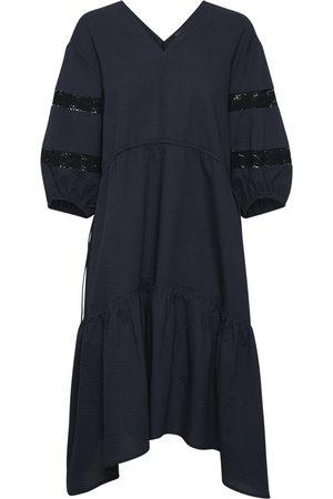 Soaked in Luxury Kvinna Klänningar - Shanaya Nikaia Dress