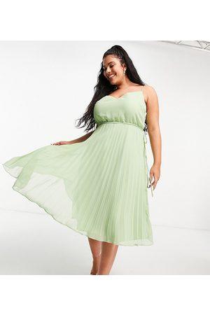 ASOS ASOS DESIGN Curve – Salviagrön plisserad midiklänning med smala axelband och dragsko i midjan- /a