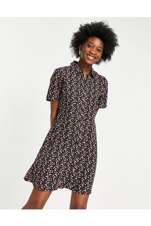 Pieces – Svart småblommig skjortklänning i minilängd-Olika färger