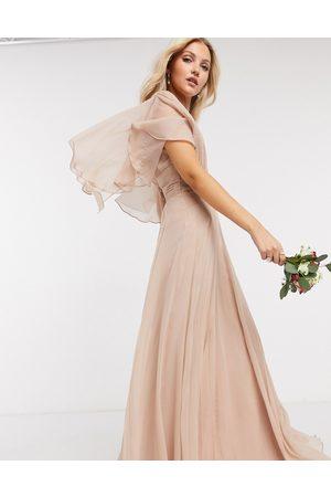 ASOS – Brudtärna – Puderrosa maxiklänning med rynkat liv med omlottdesign i midjan och vida, mjukt fallande ärmar-Pink