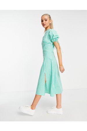 Influence – Grön ginghamrutig midiklänning med knytning på ärmarna-Gröna