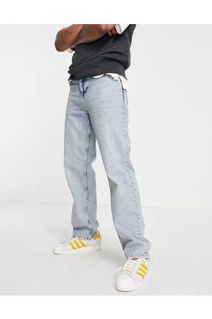 ASOS – Ljusblå jeans med avslappnad passform