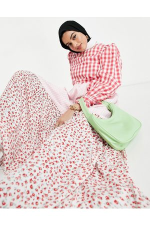 ASOS – Ginghamrutig och blommig smockklänning i maxilängd med lång ärm och panelsydd design-Olika färger