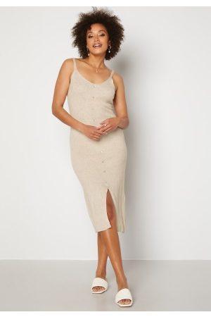Object Kvinna Stickade klänningar - Lucilla S/L Knit Dress Sandshell S