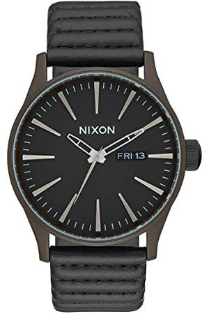 Nixon Herr analog kvartsklocka med läderarmband A105-2138-00