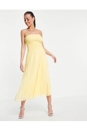 ASOS Kvinna Festklänningar - – plisserad maxiklänning med bandeauöverdel