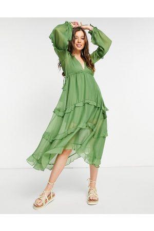 ASOS – Khakigrön, panelsydd midiklänning med rysch och spetskant- /a