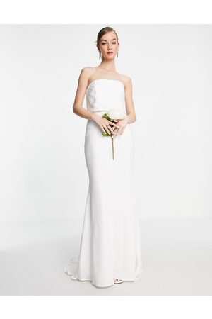 ASOS – Evelyn – Bröllopsklänning i satin med bandeauringning- /a