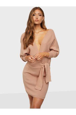 Femme Luxe Kvinna Stickade klänningar - Ribbed Dress Stickade klänningar