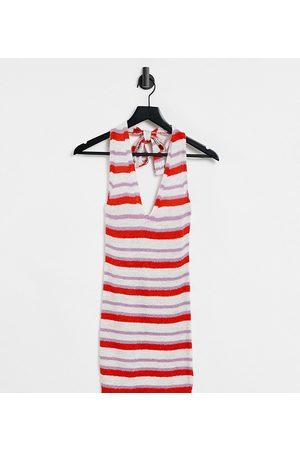 ASOS Kvinna Stickade klänningar - ASOS DESIGN Petite – Stickad miniklänning med halterneck och flerfärgat, randigt mönster-Flera