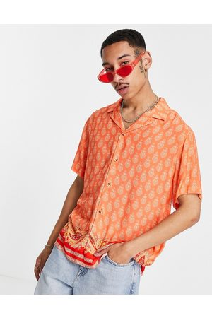 ASOS – paisleymönstrad skjorta i avslappnad passform med platt krage och nederkant