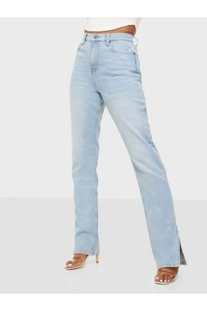 NLY Cheeky Fit Slit Denim High waisted jeans Ljus