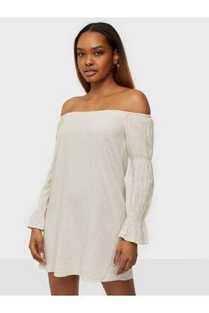 NLY Kvinna Bandeauklänningar - Off Shoulder Linen Dress Loose fit dresses