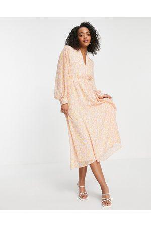SELECTED Femme – Rosa, mönstrad midiklänning-Flera