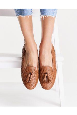 Dune – Gilsa – Rödbruna vävda loafers i läder med tofs